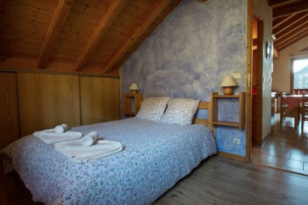 Chalet St Joseph Upstairs double bedroom