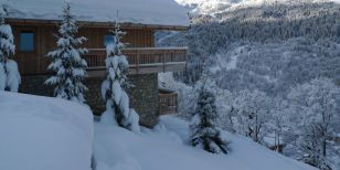 A singles ski holiday Chalet exterior in Chalet La Chouette - Meribel