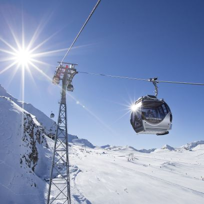 A chairlift in Zell Am see / Kaprun ski resort