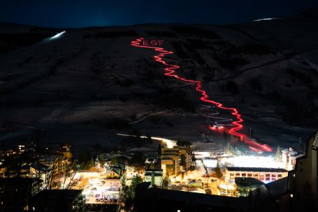 Night time ski run in Les Deux Alpes