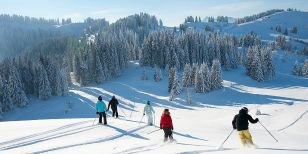 Guests on an guided ski holiday in Les Gets and the Portes Du Soleil