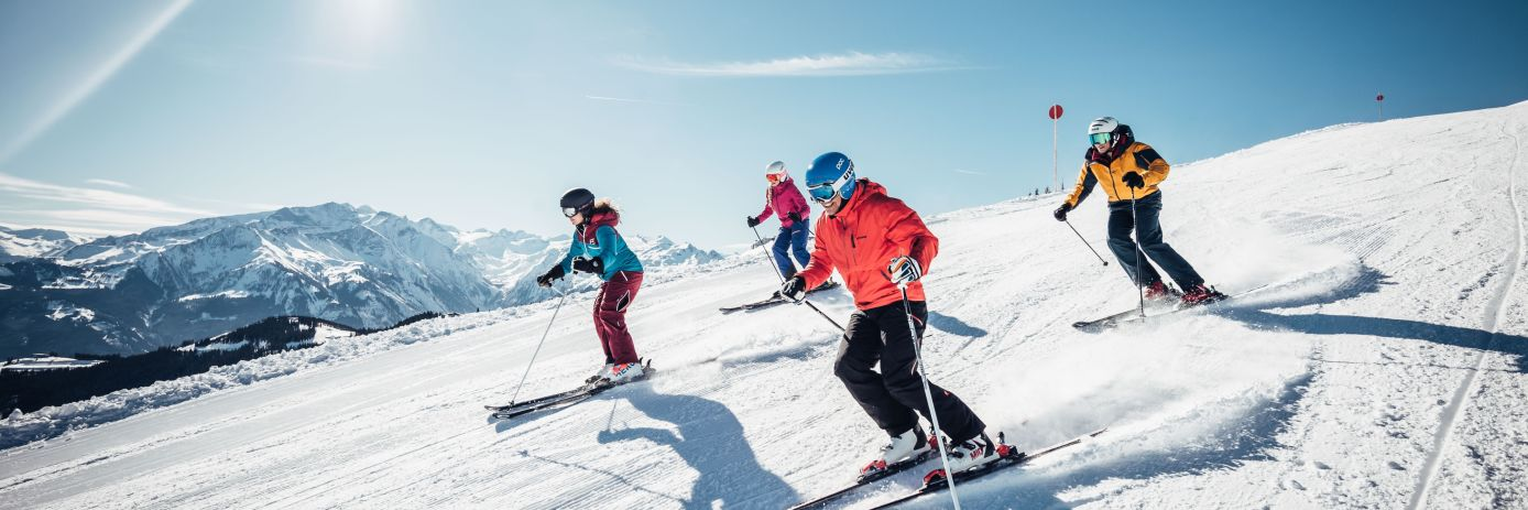 4 Skiers on a ski holiday in Zell Am See / Kaprun