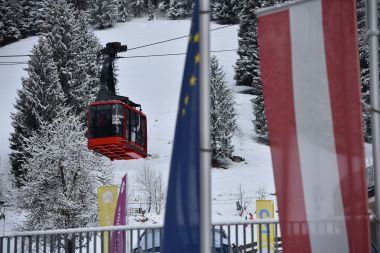 The sonnenalmbahn gondola lift in Zell Am See close to the bottom of the pistes