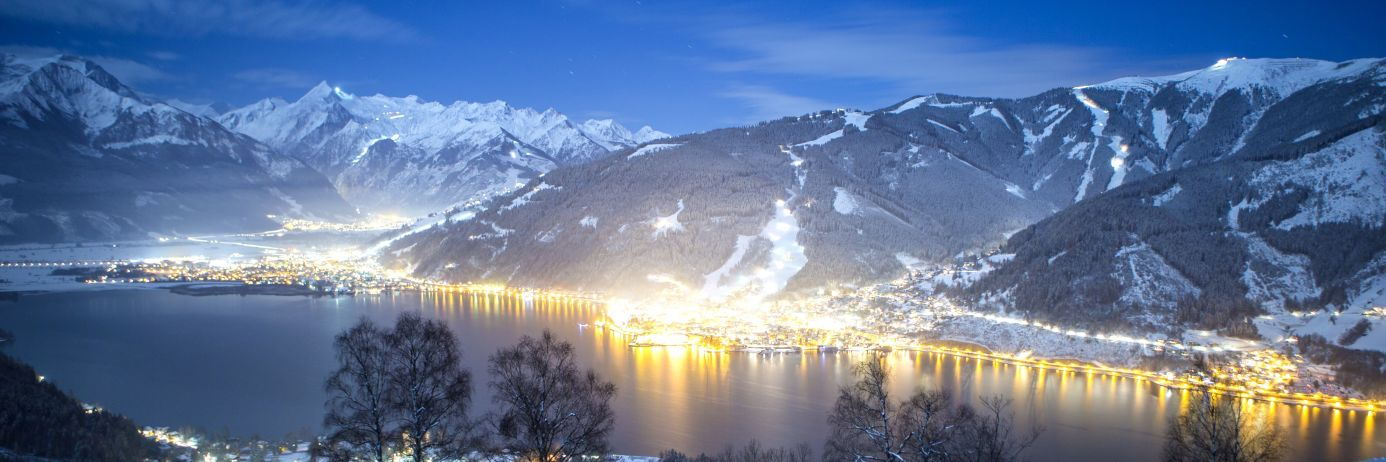 Solo Ski Holidays Austria are possible in Zell Am See town next to the lake