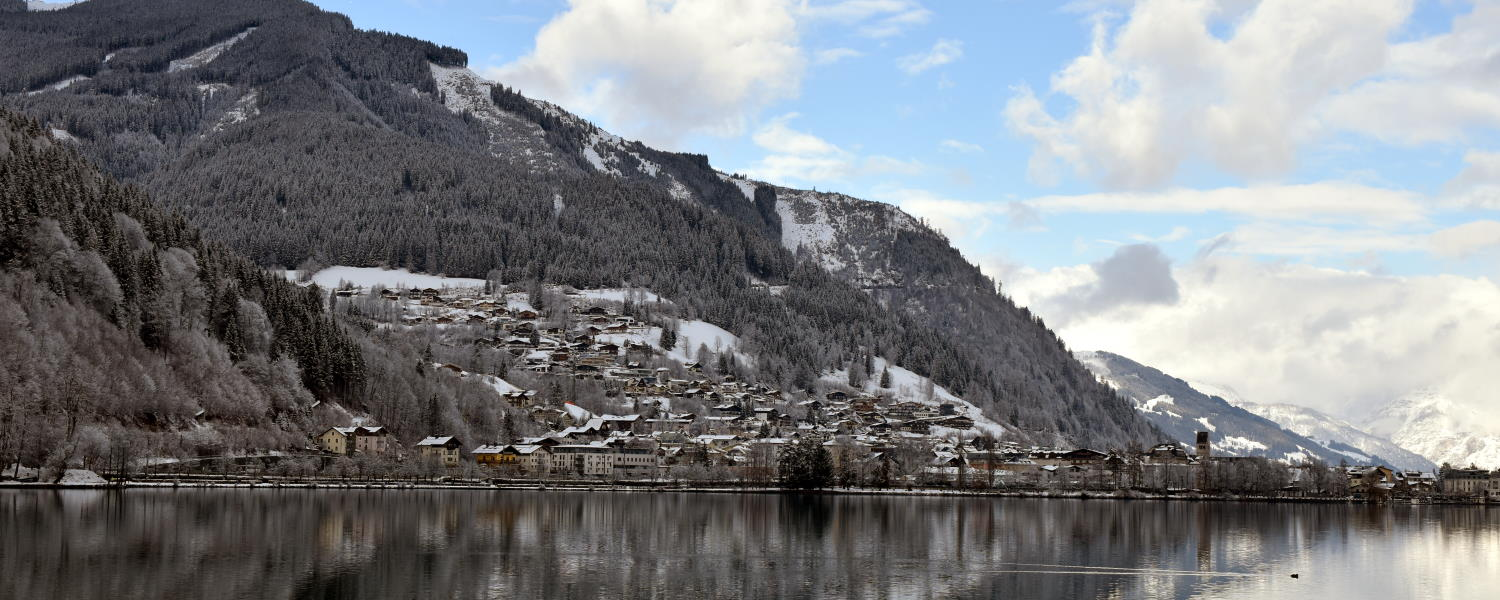 A view of the lake and the town during our Zell Am See skiing review